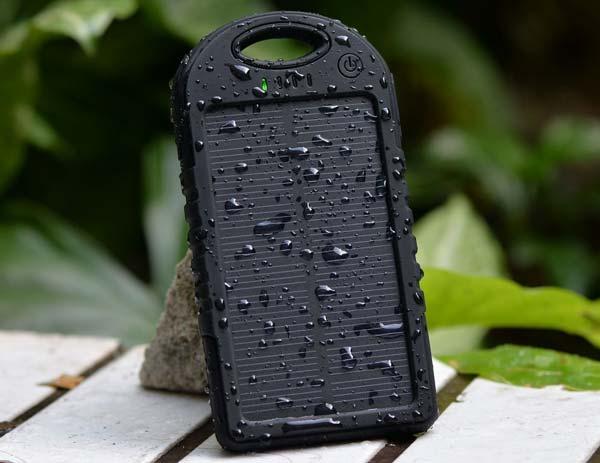 Devuelve la vida a tu móvil en cualquier momento con el cargador solar móvil